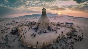 Il Burning Man accende il deserto del Nevada